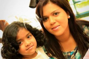 Manik Suriaaratchi of Australia and her daughter